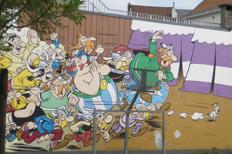 Brussels 39 comic book murals matador network for Comic book mural