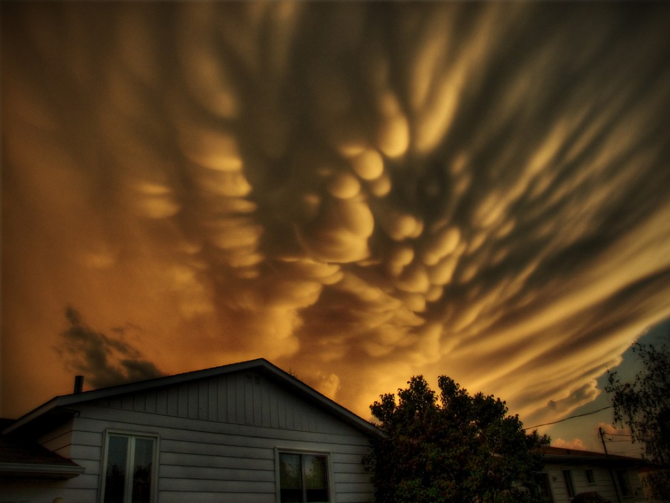 Mammatus over Quebec, Photo: Michel Filion