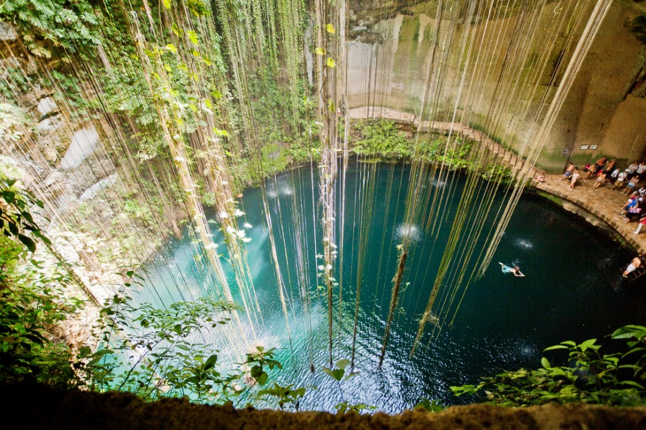  Cenote Ik Kil, Yucatan