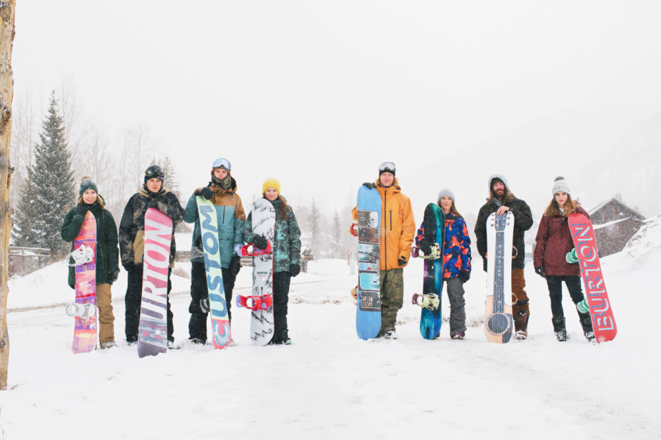 8 snowboarders
