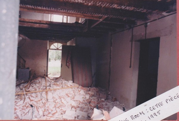 rubble-in-hall-001-600x408