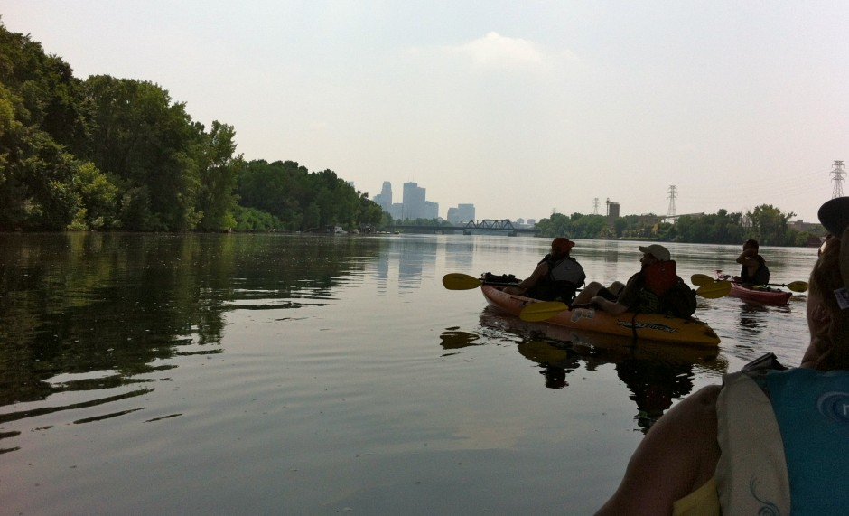 Exploring_Minneapolis_One_Paddle_at_a_Time_via_Kayak