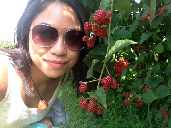 berry-farm-rain-selfie