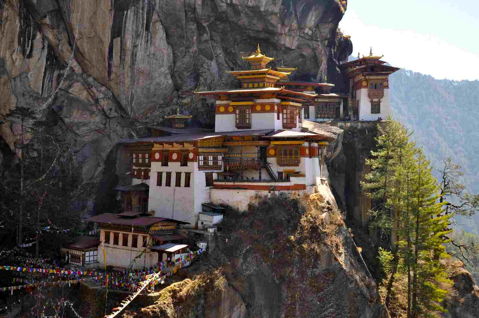 Top-Magnificent-Monasteries-in-Asia