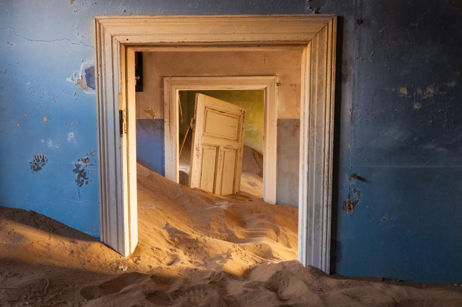 10-ghost-town-Kolmanskop-3