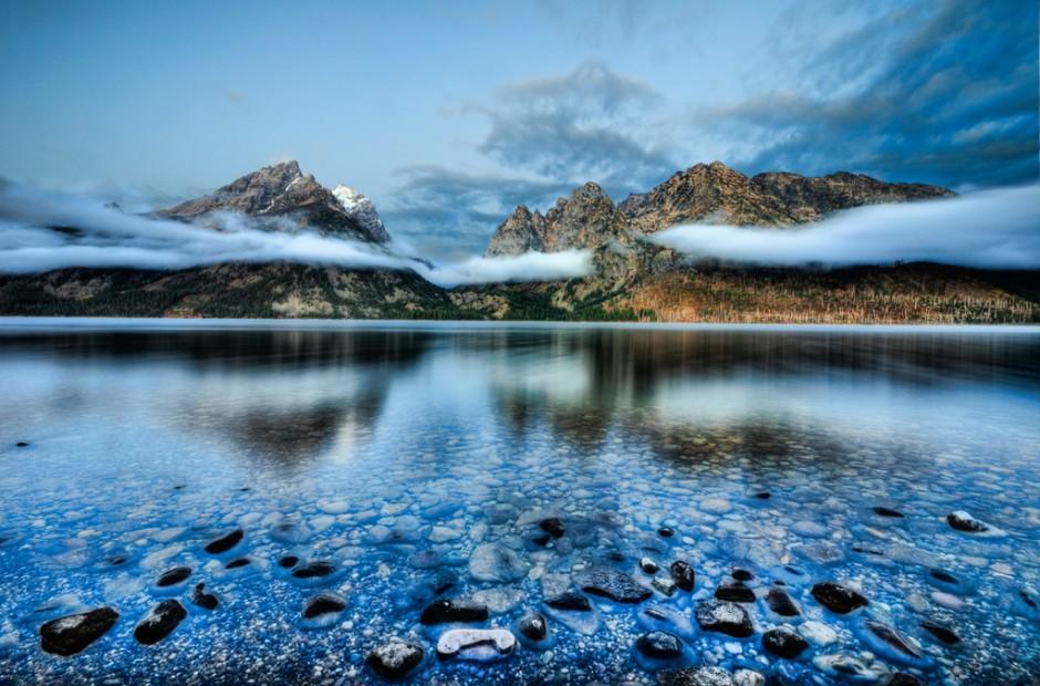 5-sailing-glacial-lake