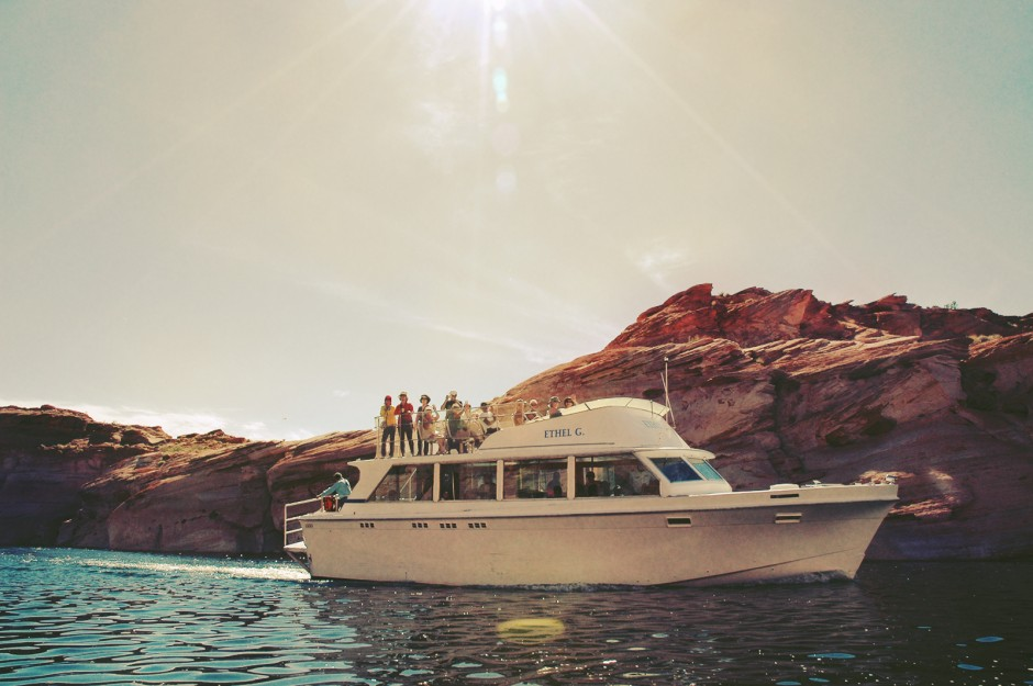 7-yachting-lake-powell