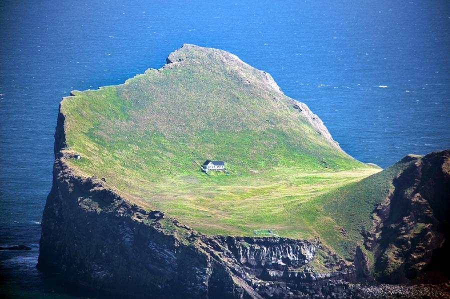 8-house-Vestmannaeyjar-3