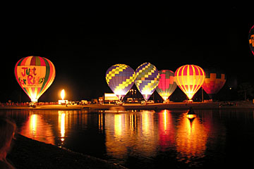 Glowing night balloons