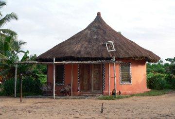 Solar-powered hut at Green Turtle Lodge