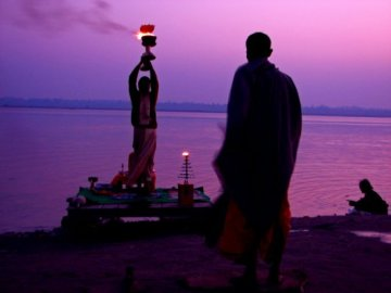 Violet sunrise on the Ganges