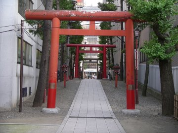 Modern temple gate in Tokyo