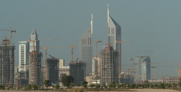 Dubai construction cranes