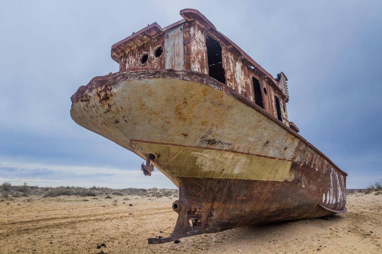 Abandoned ships in Moynaq