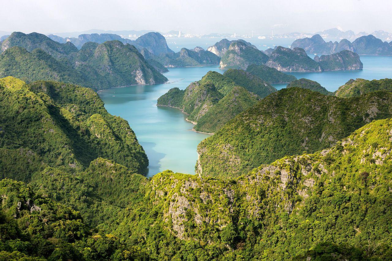 Halong Bay, natural wonders