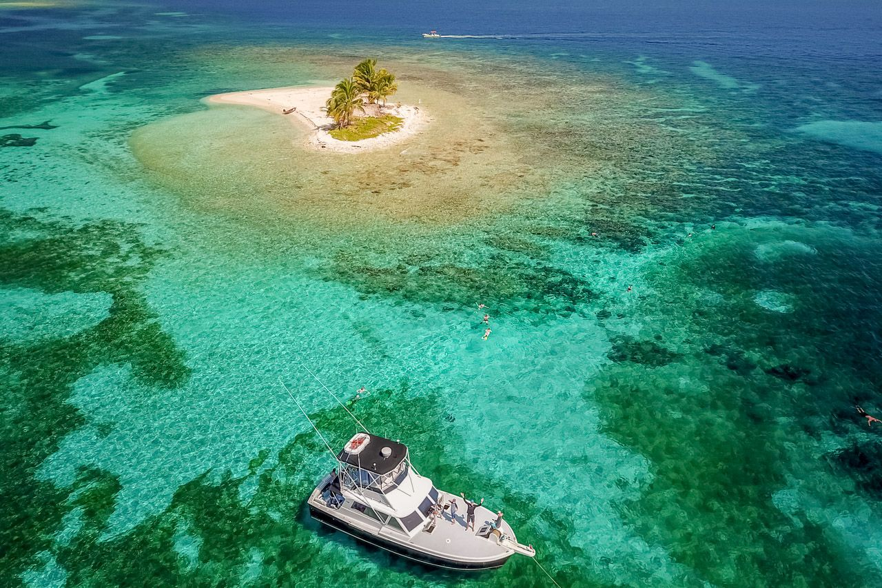 Aerial view of Cayos Cochinos in Honduras clearest water