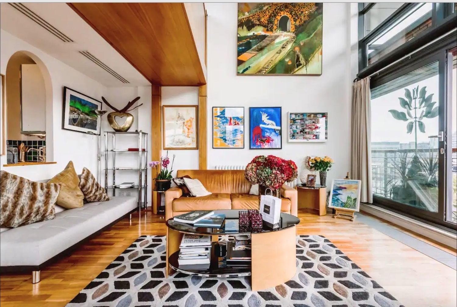 stunning-penthouse-apartment-shoreditch-london-airbnbs, London Airbnbs