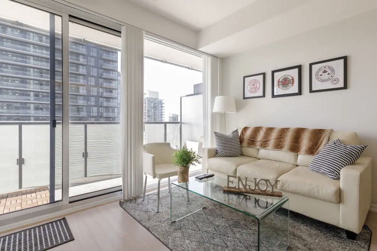 Harbourfront airbnb, best airbnbs downtown Toronto