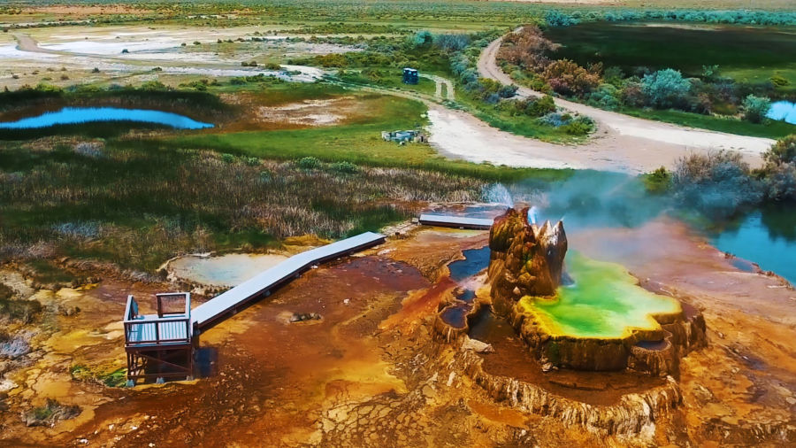 Guide to visiting Fly Geyser on Fly Ranch in Nevada