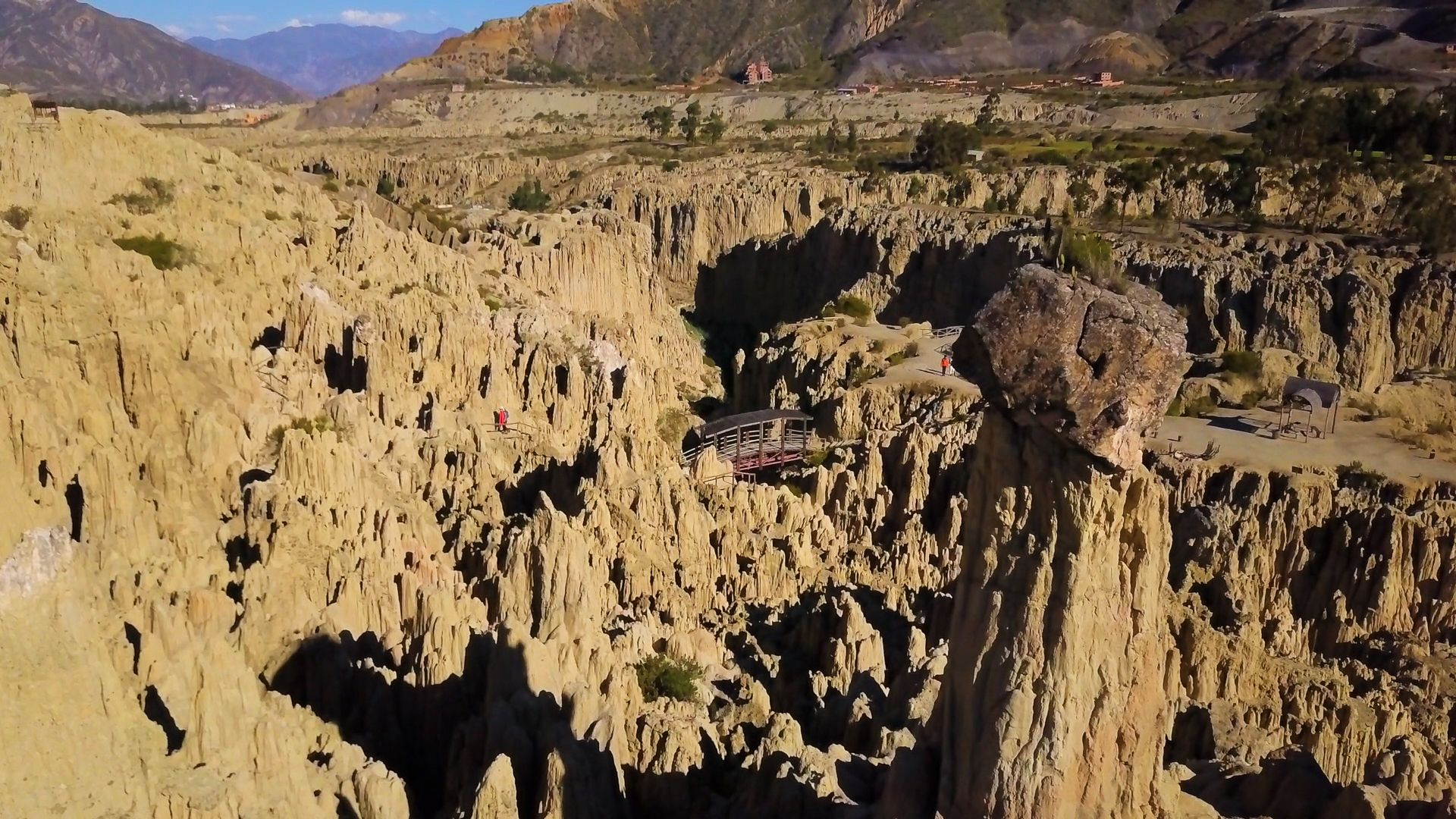 How To Visit Bolivia S Eerie Moon Valley Valle De La Luna