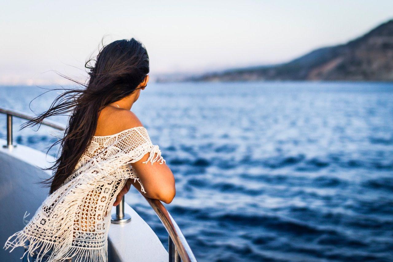 Девушка работа в море работа моделью в москве мужчины