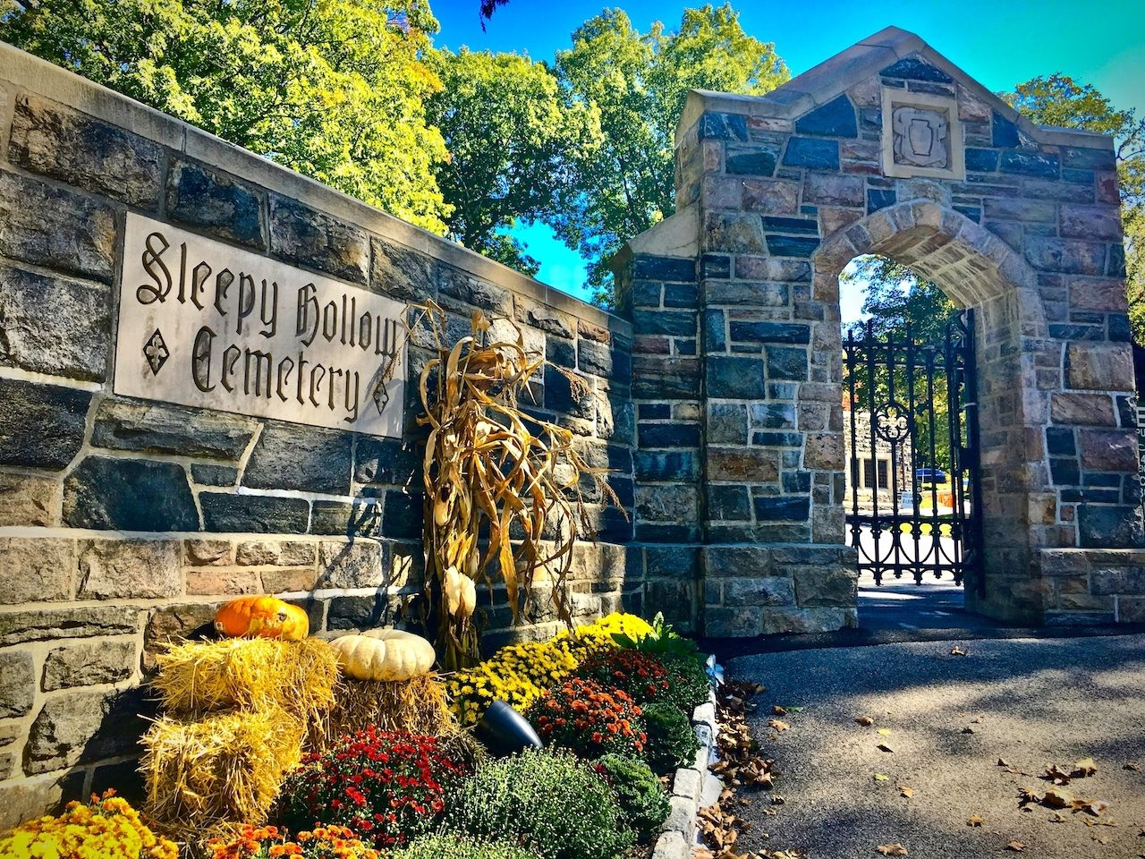 Sleepy Hollow Cemetery is an easy fall weekend getaway from NYC