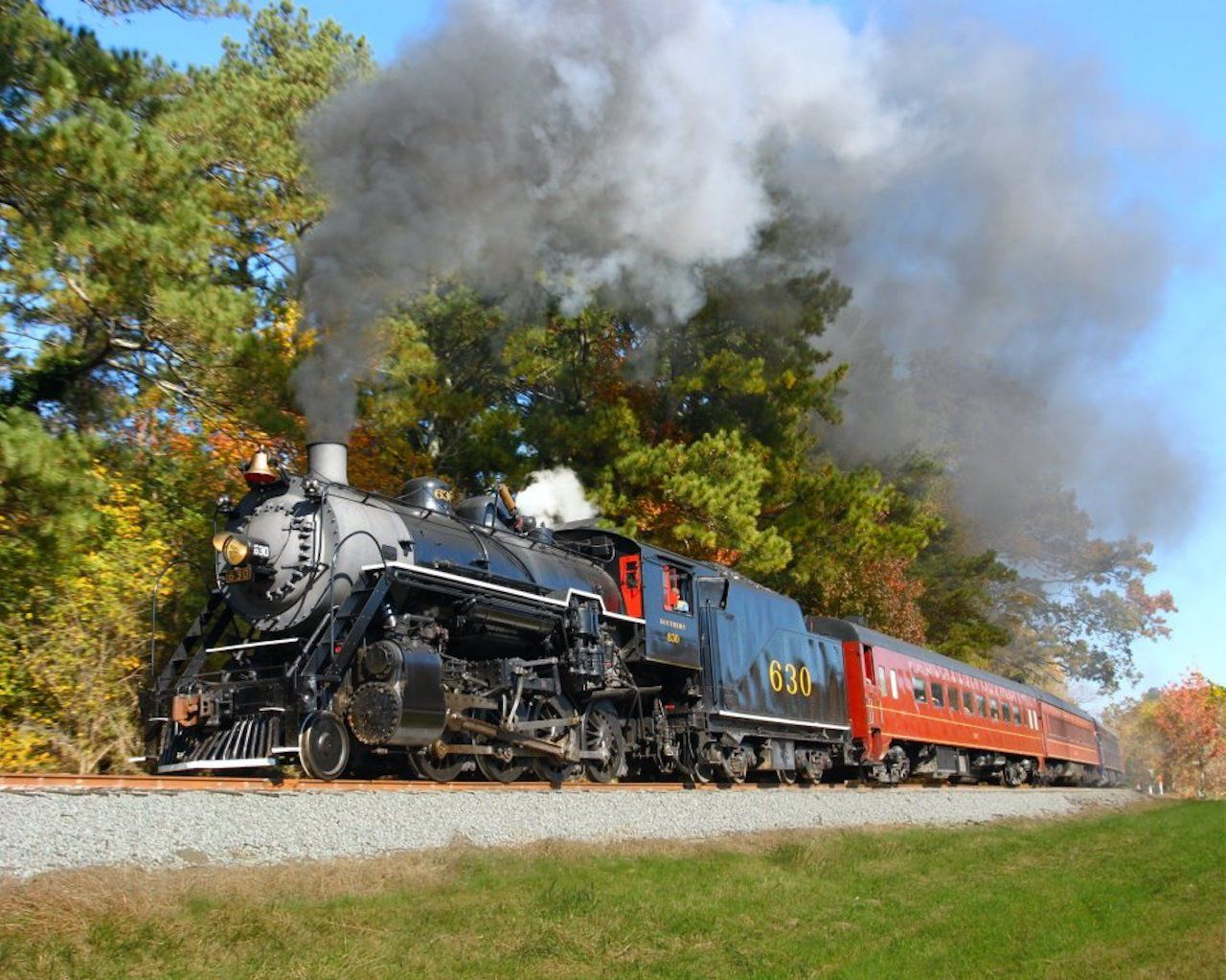 Seeing fall foliage on the Tennessee Valley Railroad