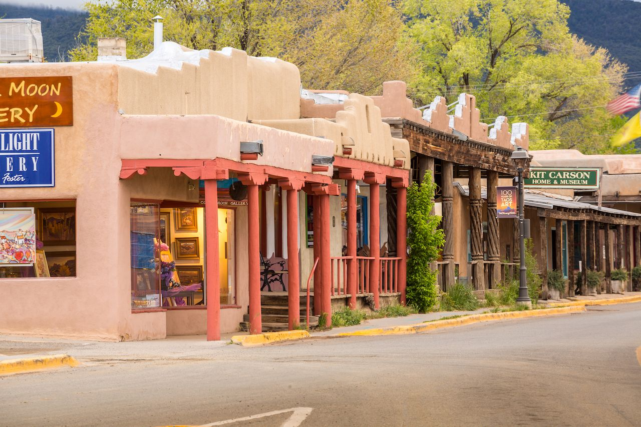 Main-Street-in-Taos-New-Mexico.jpg