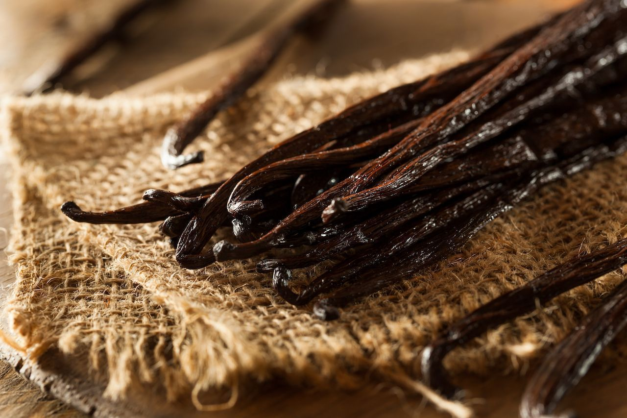 where does vanilla flavoring come from