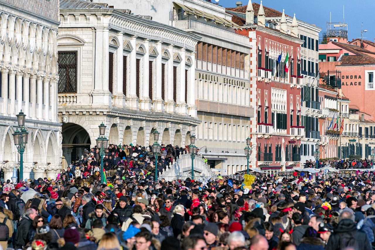 Venice will soon make you book your visit and pay an entry fee