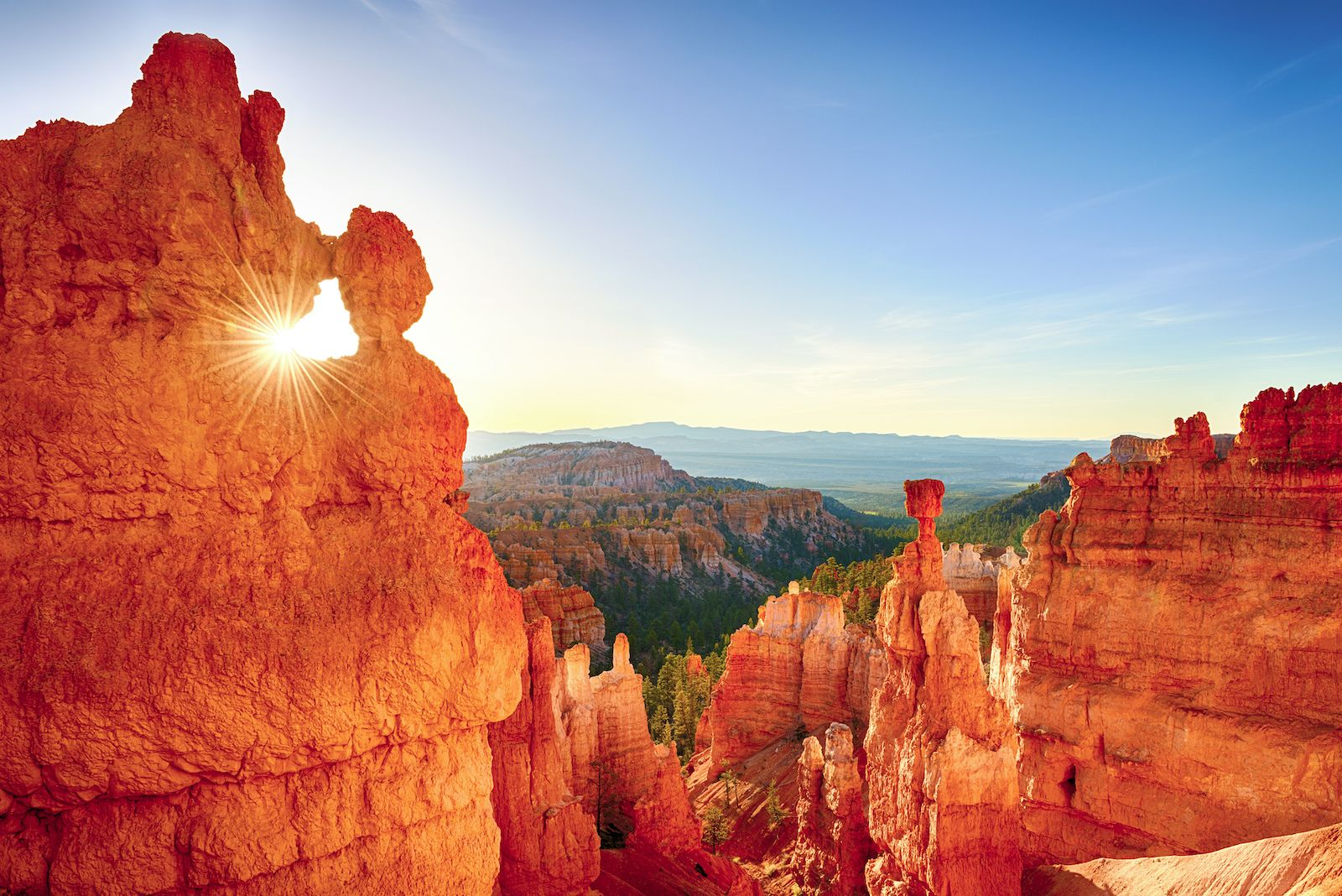 12 short road trip routes that take in the best of America, natural wonders of the US