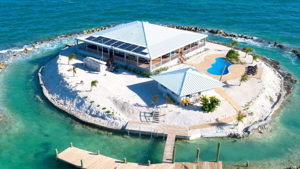 Friendsgiving Island in Florida