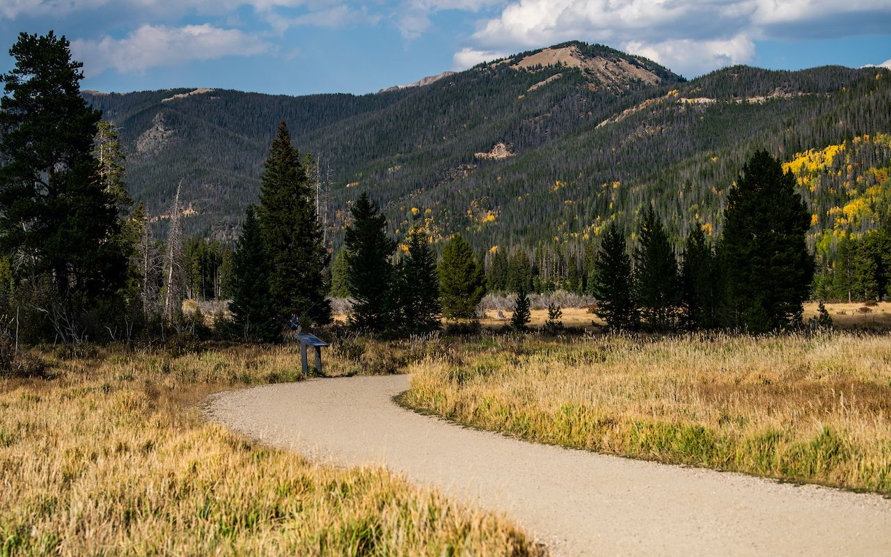 Scenic trail to Holzwarth historic site in Rocky Mountain National Park