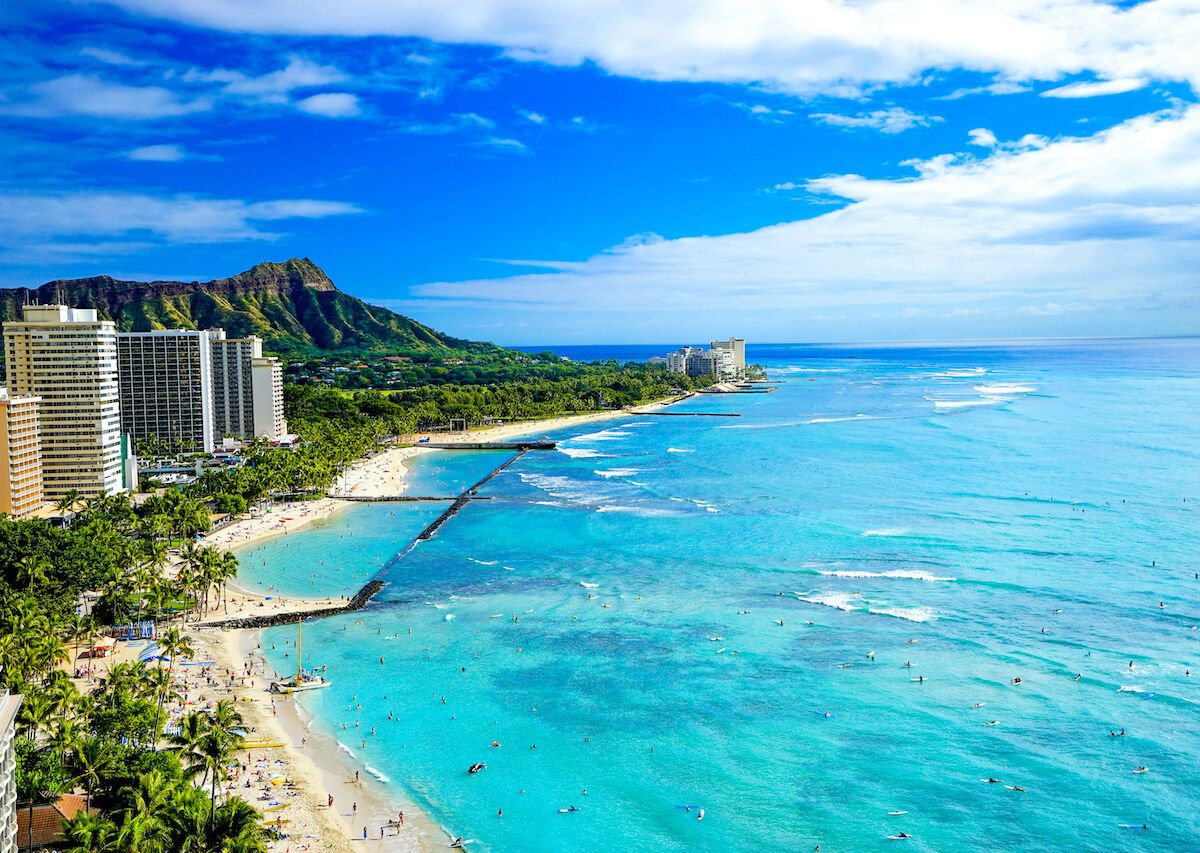 8,000 people landed in Hawaii on the first day of the state's reopening to tourism