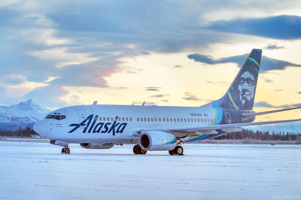 Alaska Airlines plane