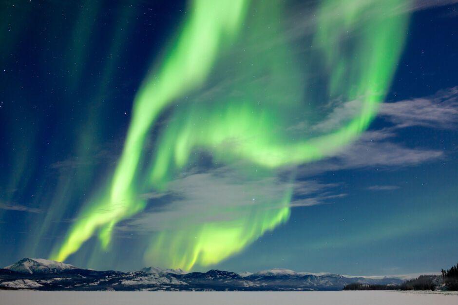 aurora borealis Lake Laberge, Canada