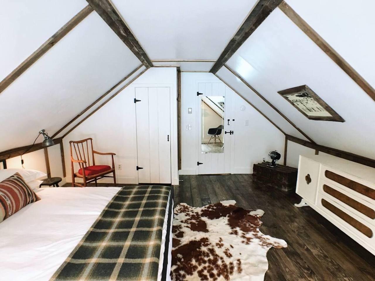Rivercabin upstairs room