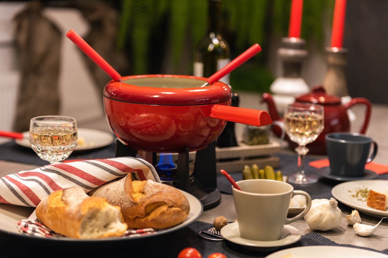 fondue-swiss-comfort-winter-food
