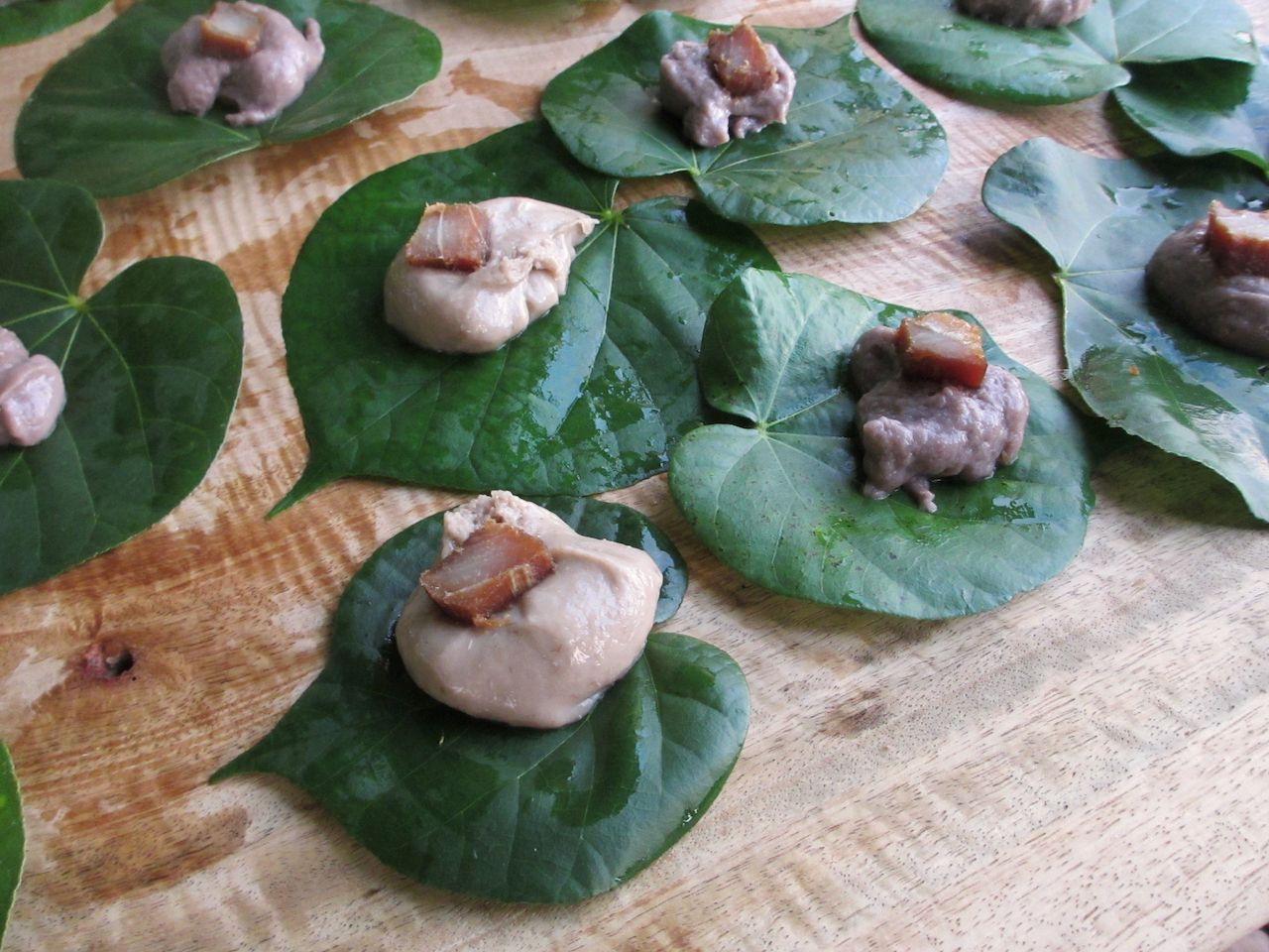 poi and taro leaves