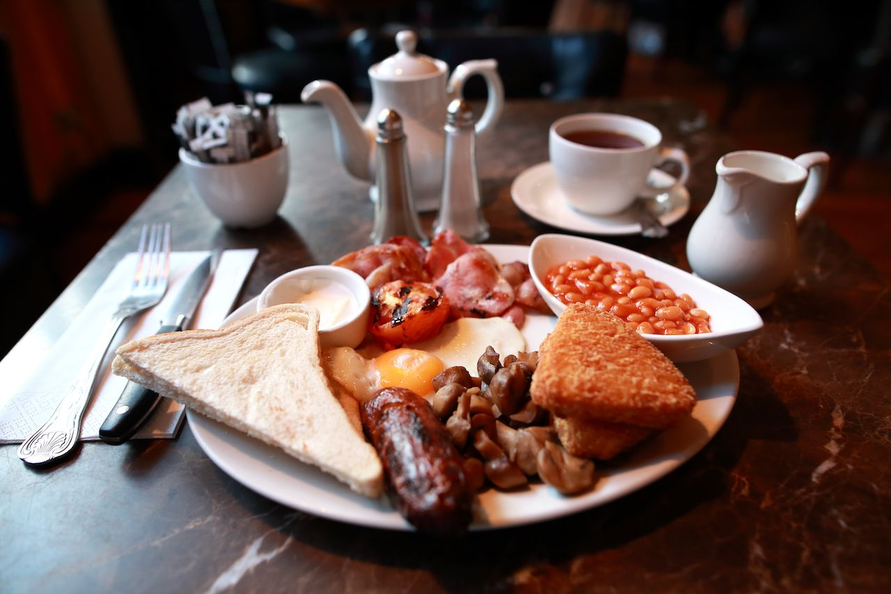 Full english breakfast at London restaurant