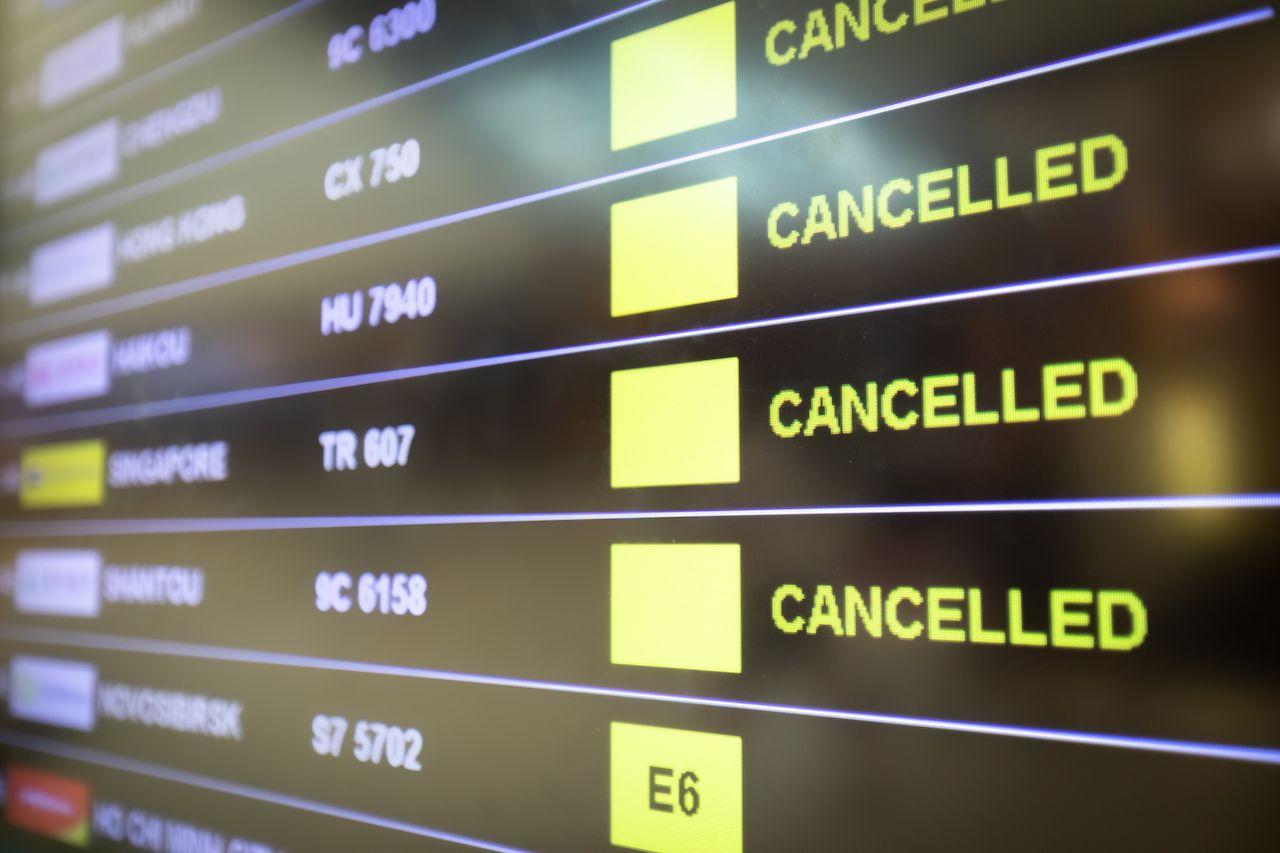Canceled flights sign