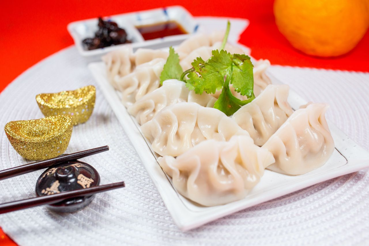 Jiaozi with sauce