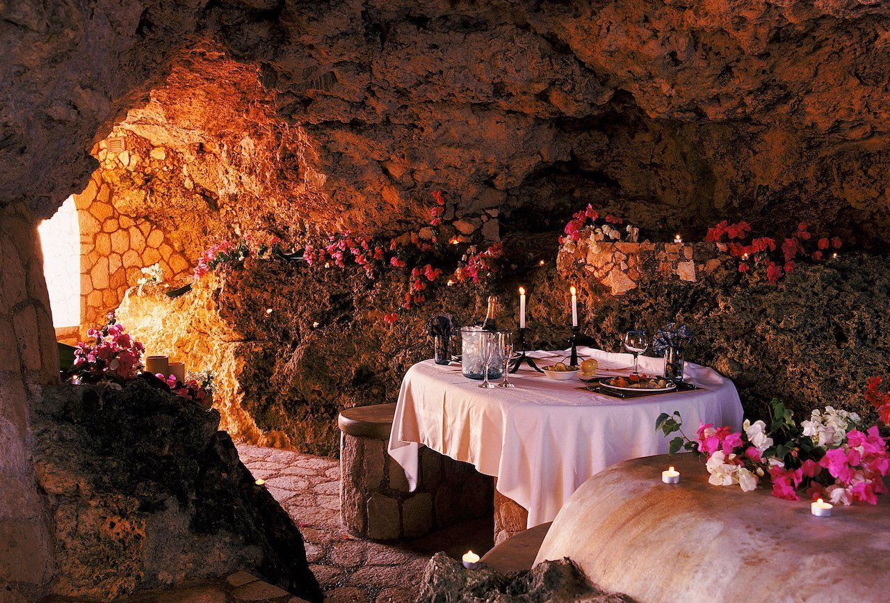 The Caves Jamaica Interior