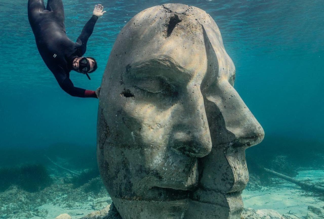 Underwater museum Cannes