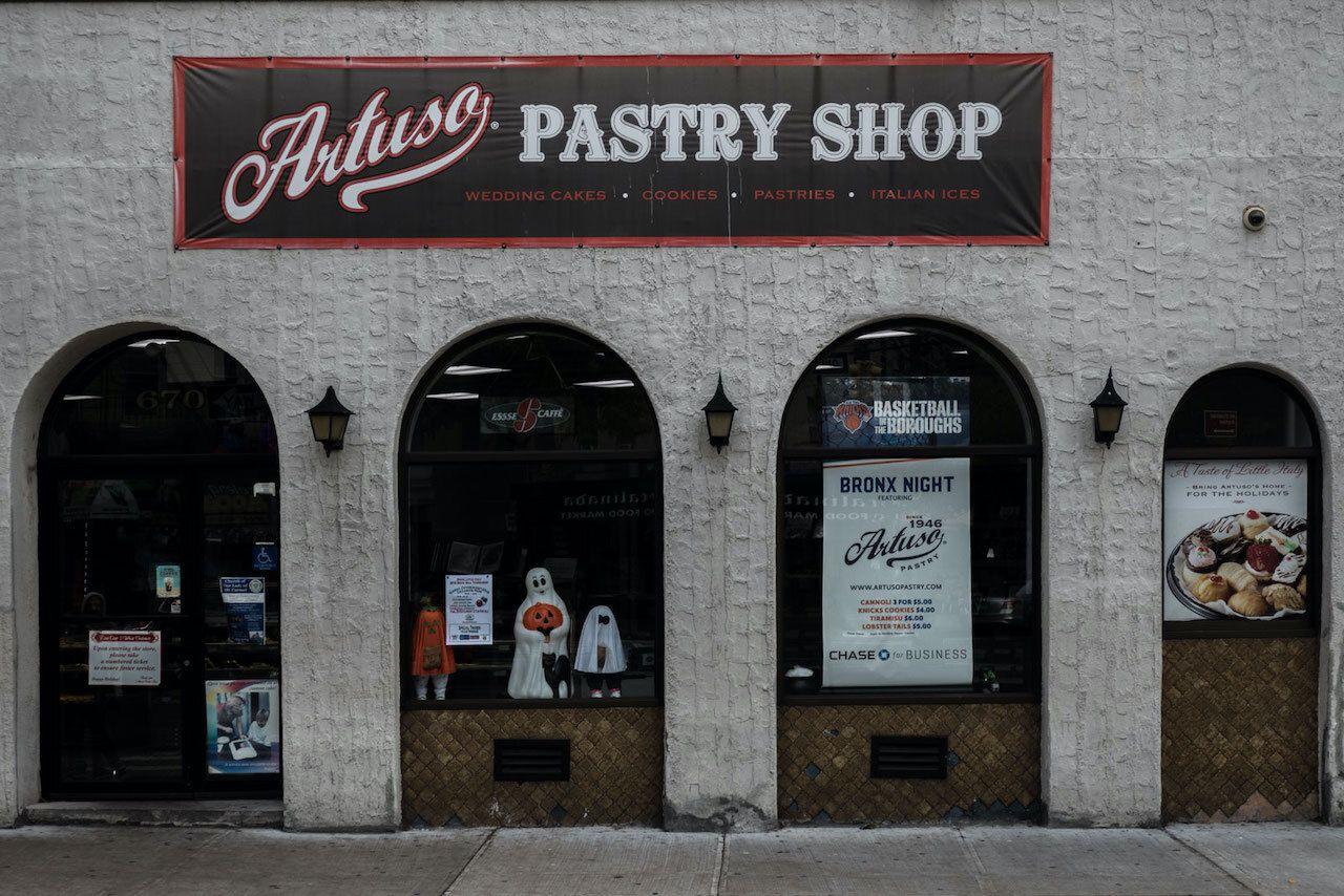 Artuso's-Pastry-Shop-Bronx-Bakeries