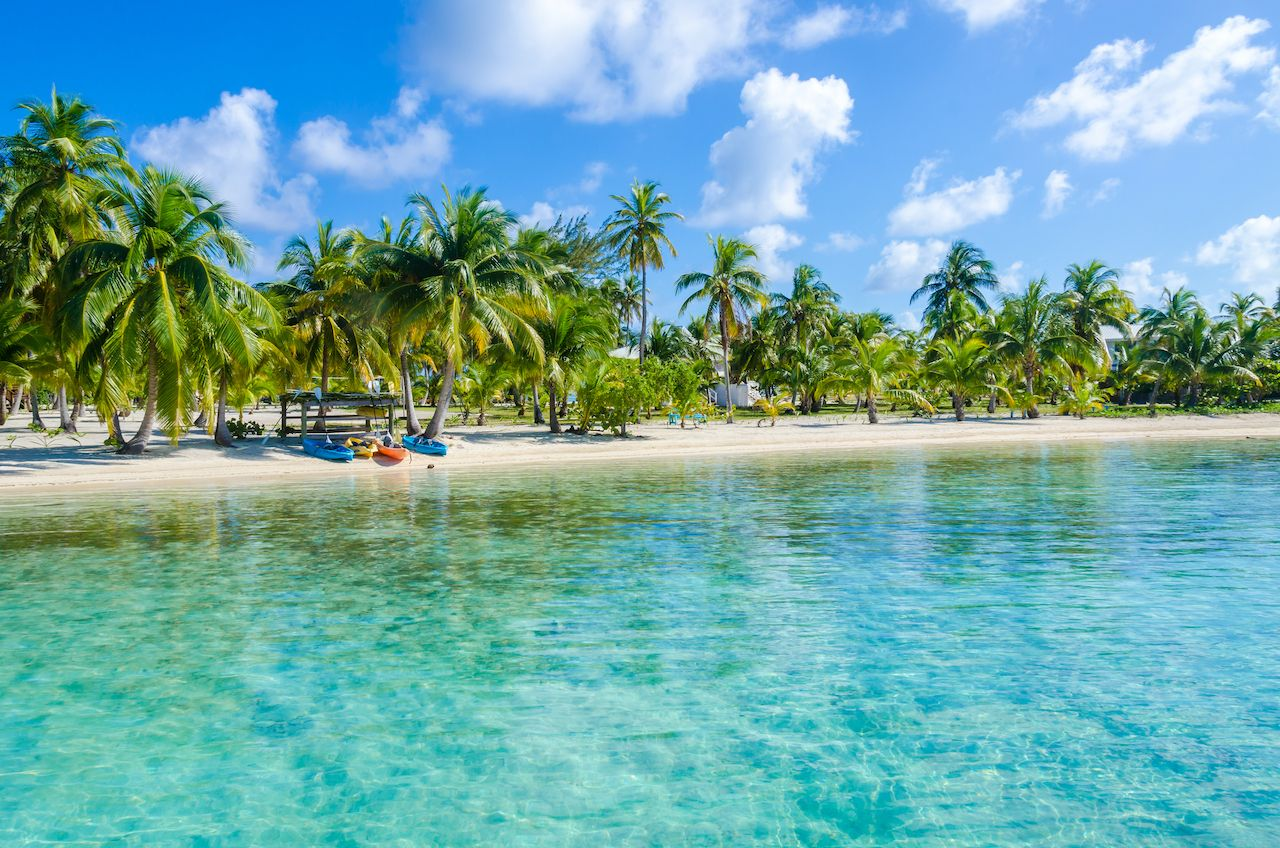 Belizean beach welcoming vaccinated tourists