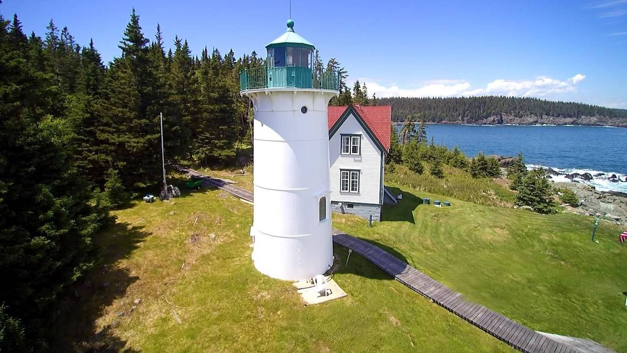 Little River Lighthouse in New England to stay the night