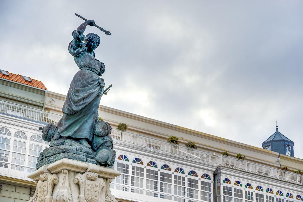 Monument to Maria Mayor Fernandez