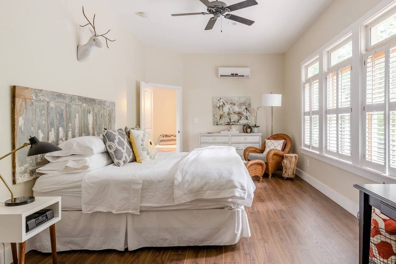 One bed carriage house Atlanta