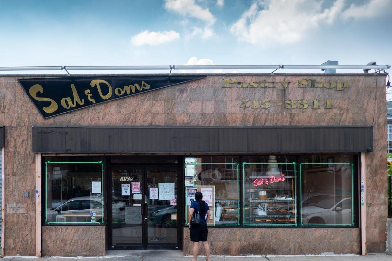 Sal-and-Dom's-Pastry-Shop-Bronx bakeries